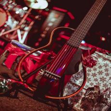 Let's play silent guitar ! 😍🎉 #yamaha_guitars #slg200n #sonomusic_tunisia