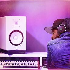 Mixez🎚, Enregistrez 🎙du bon MIX🎶 grâce au matériel de studio que vous offre YAMAHA ! 😃 🎧🎶🔊 #HS8 #HS5 #AG03 #AG06 #HPHMT7 #distributeur_officiel_yamaha  #sonomusic_tunisia